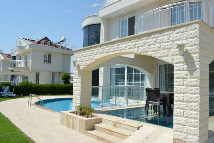 Crystal Water Estates Villa Belek