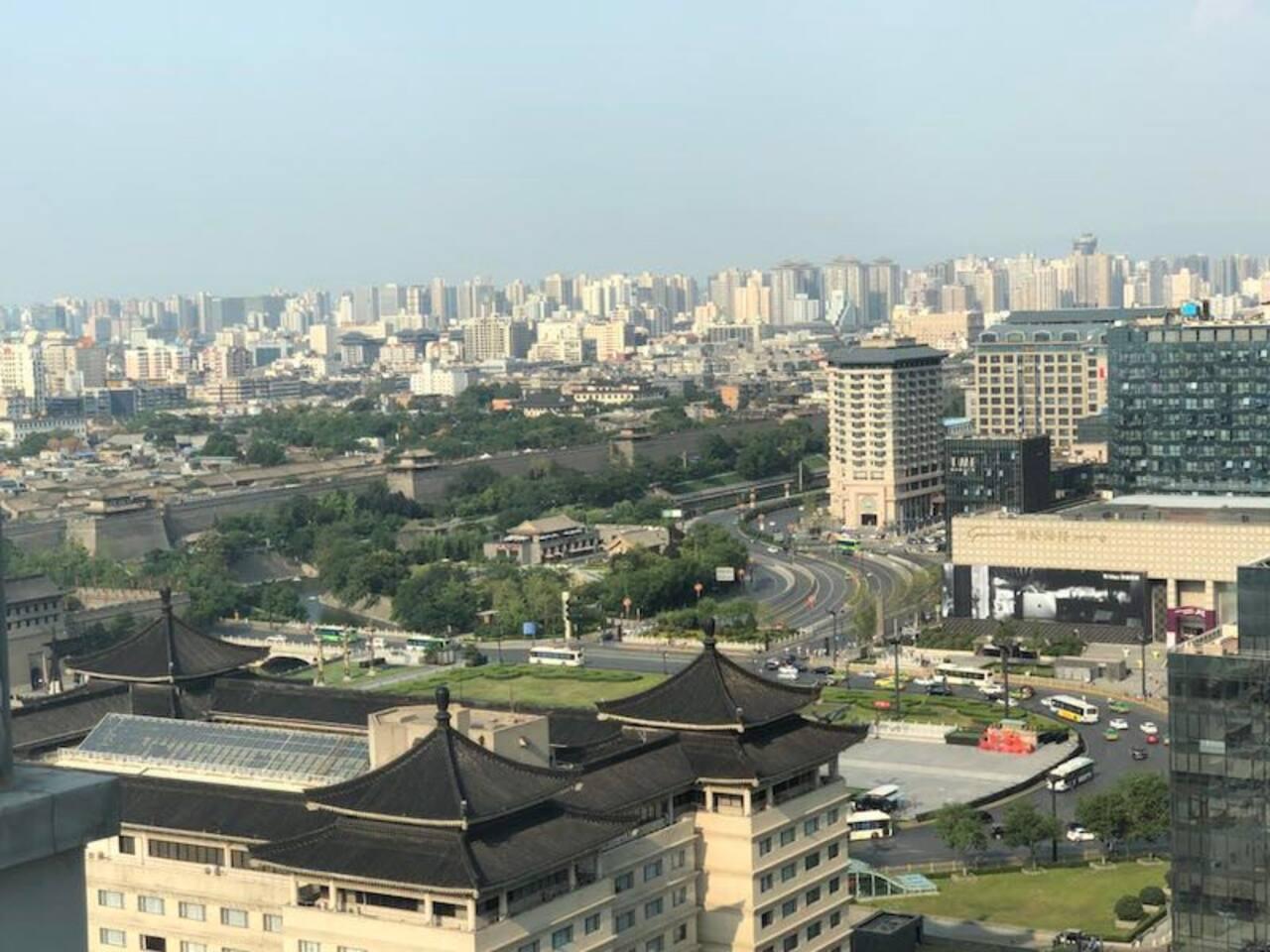 俯瞰城墙永宁门广场