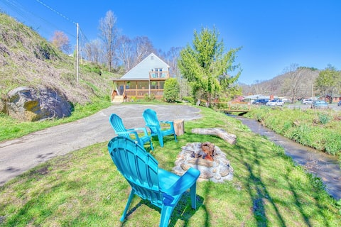 Peaceful downtown Sylva home. Porch, creek & wifi