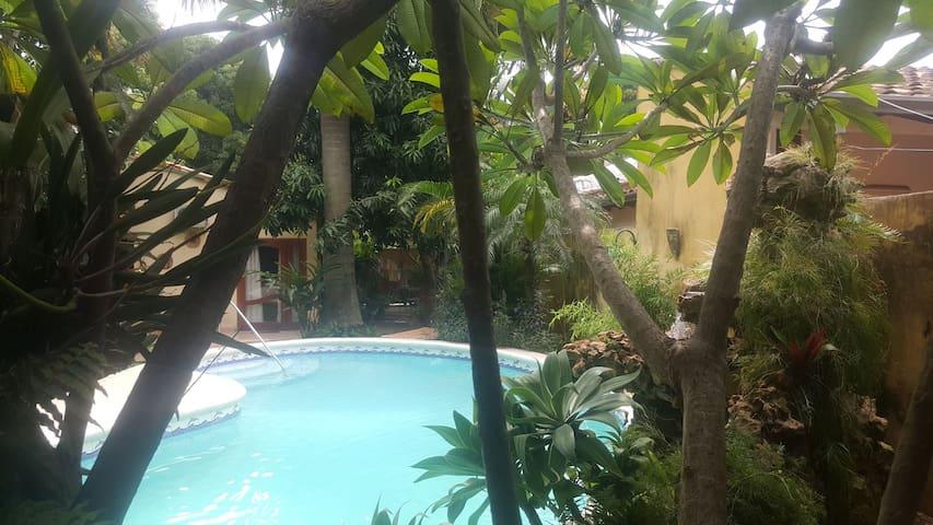 Cosy Garden Room Private  Ensuite.