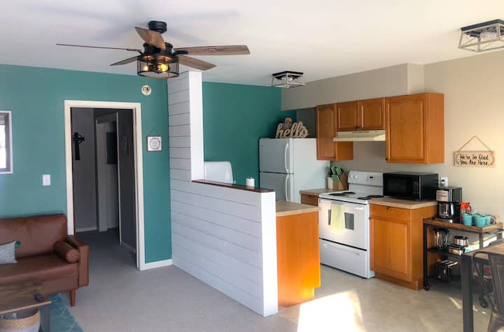 Open layout 1/1 apt close to downtown Spearfish!