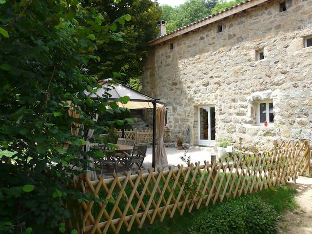 Vos vacances en Ardèche en gîte 4 épis - Saint-Victor - Nature lodge