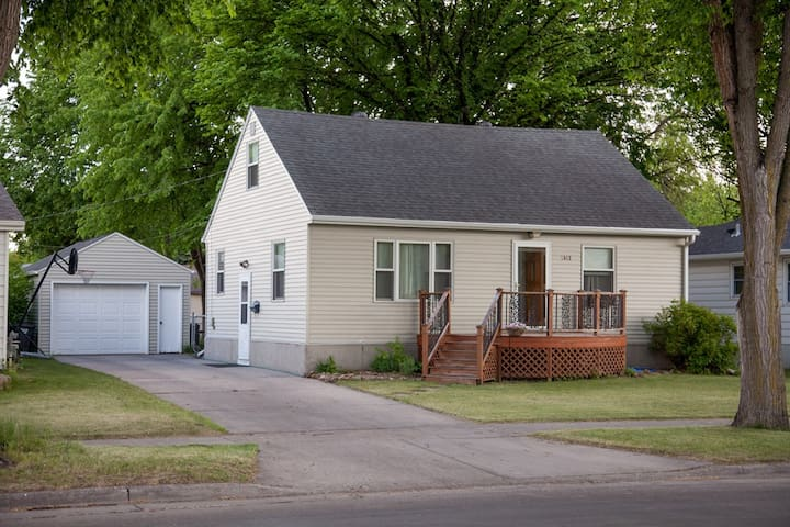 Cozy house in friendly, quiet neighborhood - Fargo