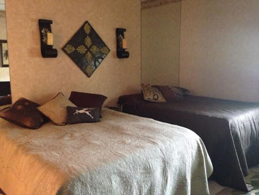 Extra lg bedroom, 2 queen beds, couch, television & rocker