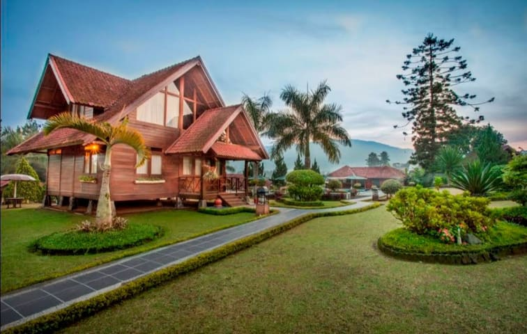 Citra Cikopo Hotel & Family Cottages