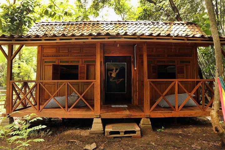 Omah Jegok 'Jungle' Camp DormBed2