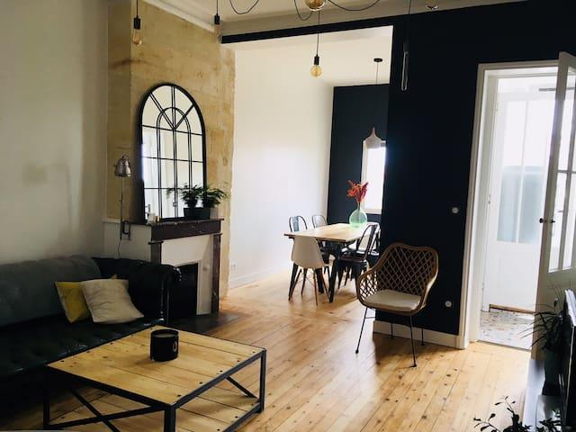Appartement charmant et spacieux (33063001126D0).