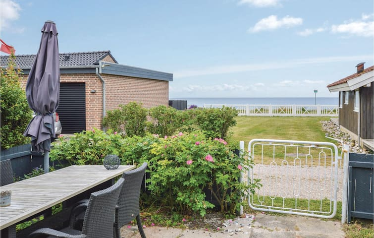 Holiday cottage with 2 bedrooms on 85m² in Slagelse