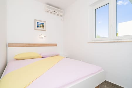 Apartments & Rooms Barišić - Standard Double Room with Patio and Garden View