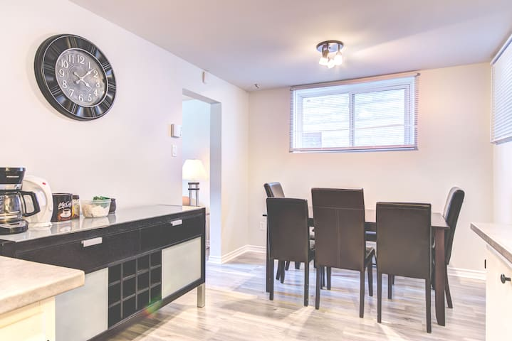 CHARMING 2 BED IN THE HEART OF BYWARD MARKET...