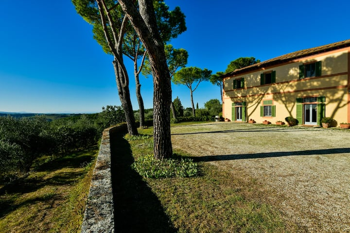 Private Villa with Pool and Vineyard, Tuscany