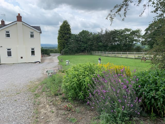 Little Bent Holiday Cottage