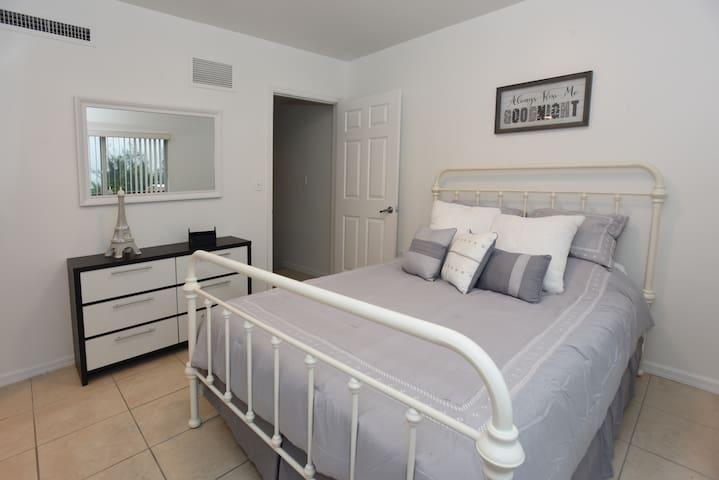 Trendy Apartment in Miami - V