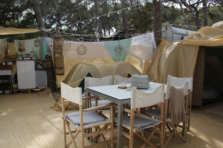 Lovely place on campsite 2-5 pers. Ibiza