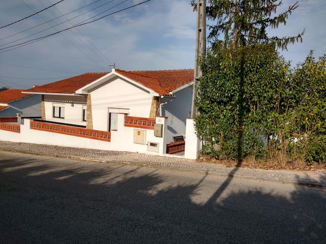 House 45 Km Fátima Pope Visit - Alcobaça - House