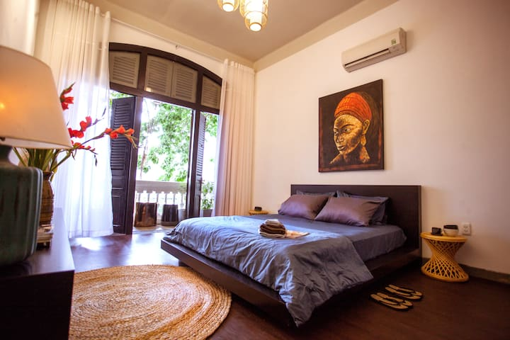 Charming Indochina-style studio - heart of Saigon