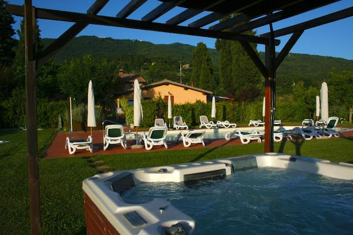 Cottage Romantic in Tuscany hills - 雷杰諾 - 小屋