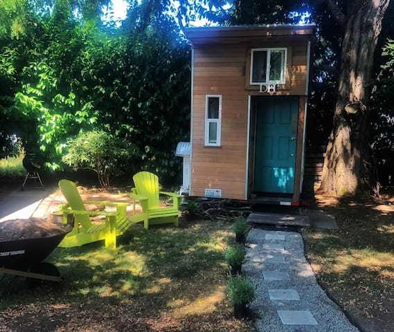 Tiny House in the City » 4 Blocks to Light Rail!