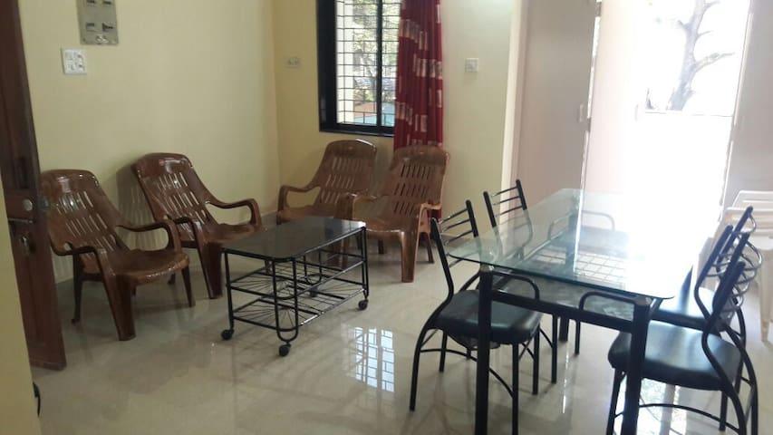1st  Floor (Not Road Facing) 2b(ac)hk Candolim Goa