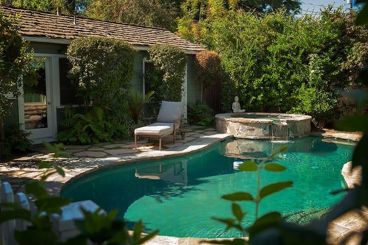 Hartsook Pool House  in Valley Village California