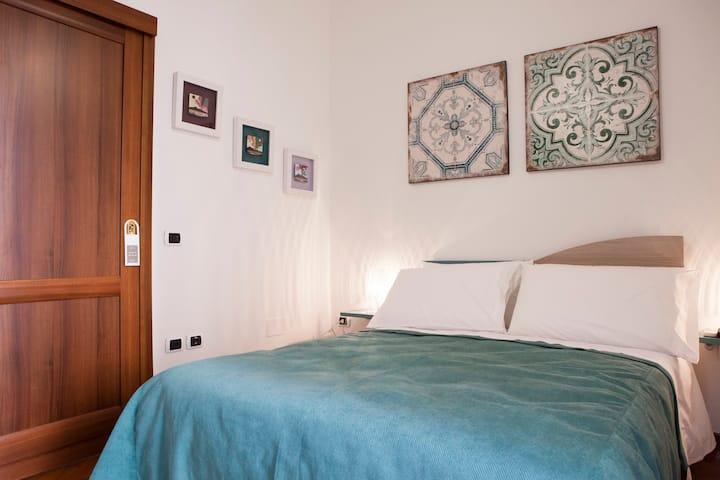 B&B Isa Guest Rooms - Camera San Gennaro