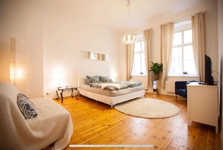 Großes schönes Apartment 7 Pax Bestlage, Mitte