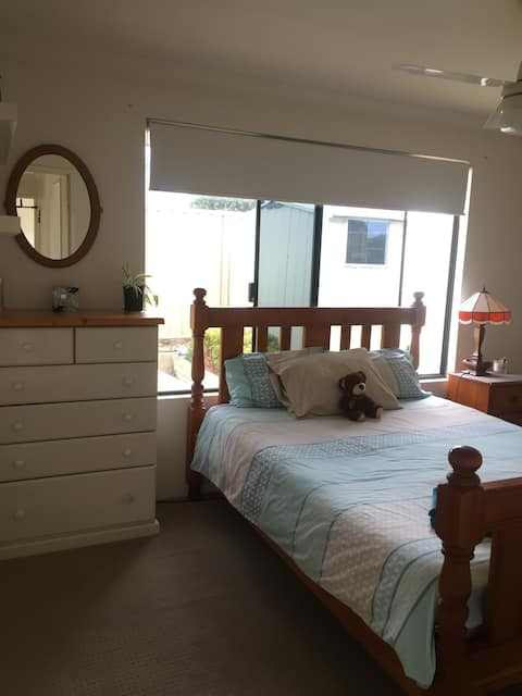 Immaculate Rooms close to Farmers Market and CBD