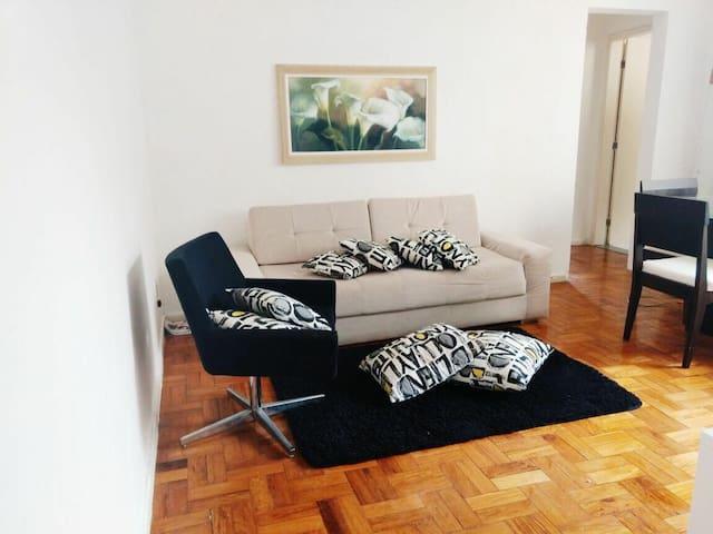 Apartamento na Barra, ótima localização!