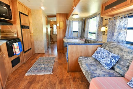 Your Spacious Family Sierra Hub ☆ Epic Sunsets