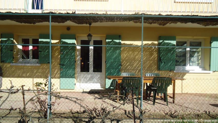 Appartement jardin entre mer, Camargue et Cévennes - Langlade