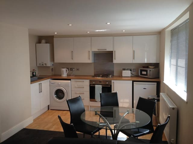 One Bedroom Services Apartment in High Wycombe