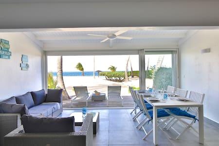 DIAMANT Lovely 2 bedroom 2 bathroom duplex cottage right on the beach - Marigot - อพาร์ทเมนท์