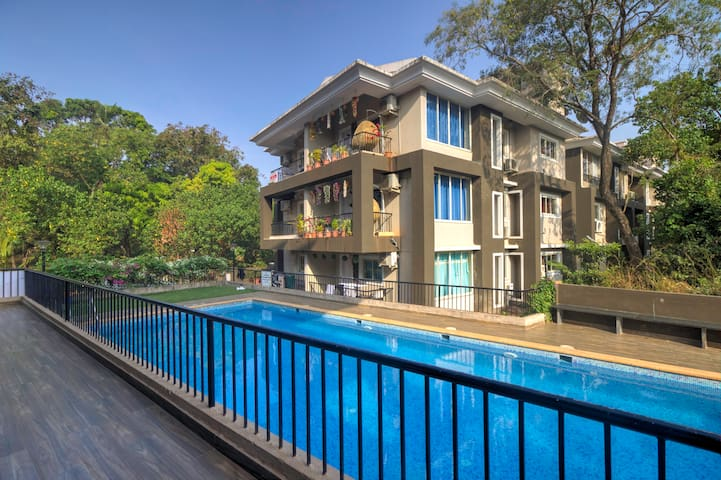 Sparkling 2BHK Apartment with POOL, WIFI, PARKING