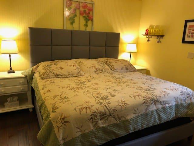King size tempurpedic mattress