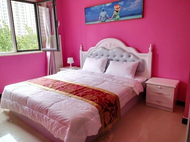 粉色小屋,紧邻工业大学,欢乐谷,潘家园,国贸CBD,劲松,双井。