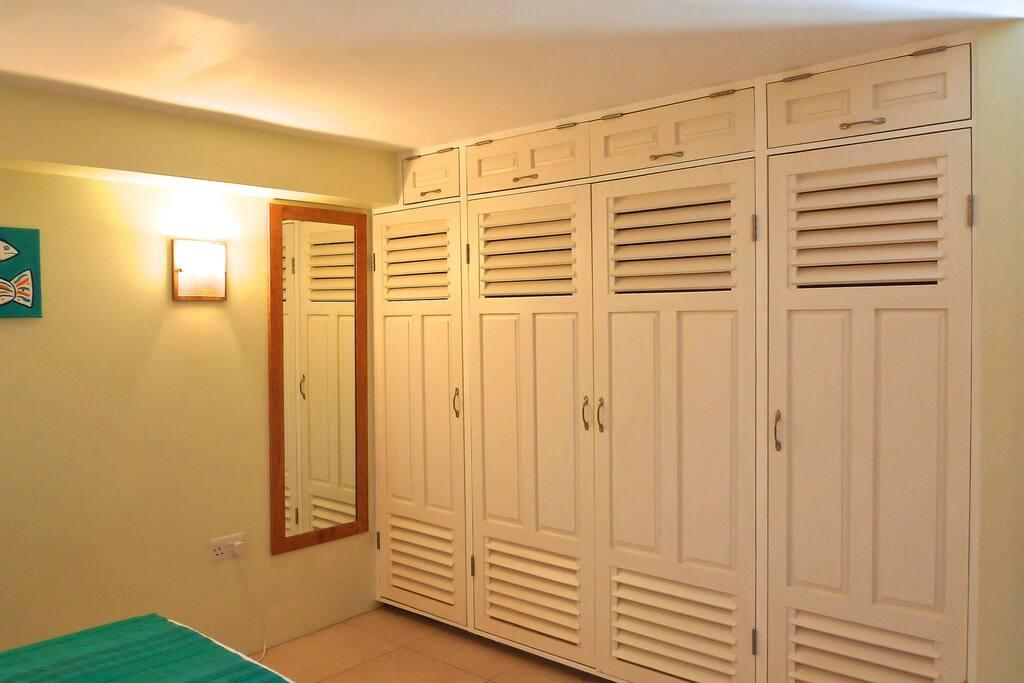 Bedroom showing cupboard space