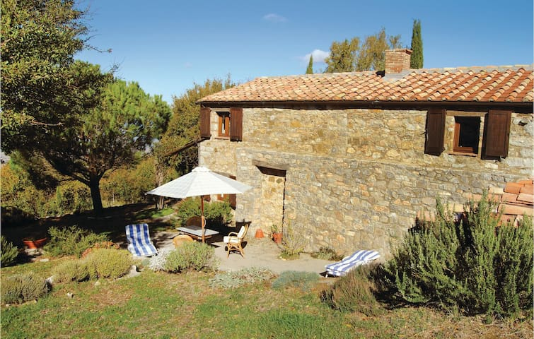 Holiday cottage with 1 bedroom on 90 m² in Cinigiano -GR-