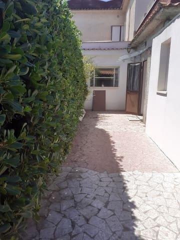 Monolocale indipendente con patio in villa