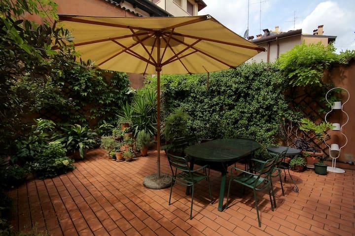 Centro storico con grande terrazzo - Verona - Wohnung
