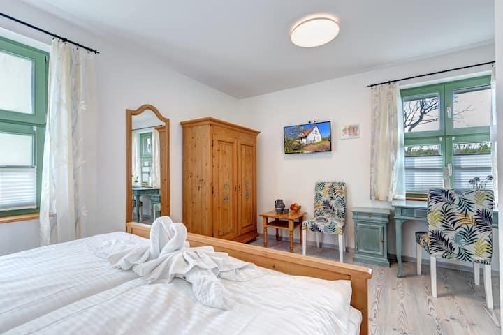 Doppelzimmer mit barrierefreiem Bad in Mellenthin