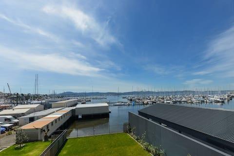 Absolute Waterfront in Sandy Bay - Sleeps 8