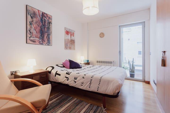 Habitació (URL HIDDEN) - Girona - House