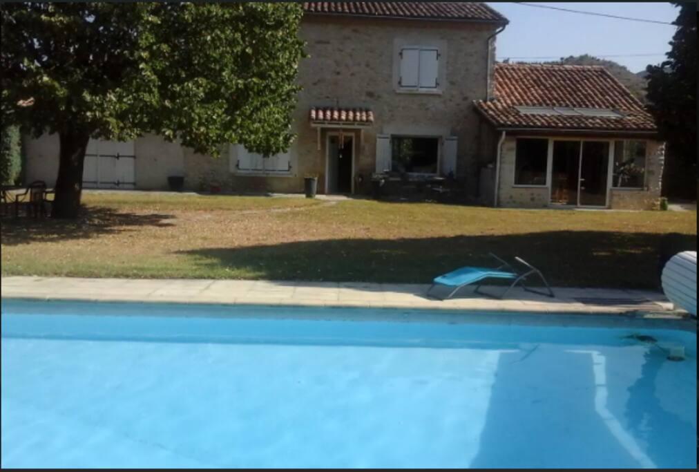 3 chambres d hotes avec acc s piscine maisons louer pi gros la clastre auvergne rh ne - Chambre d hote avec piscine ...