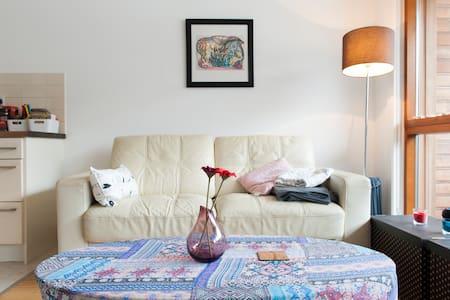Nice & cozy flat - Neighbourhood safe & peaceful - Apartamento