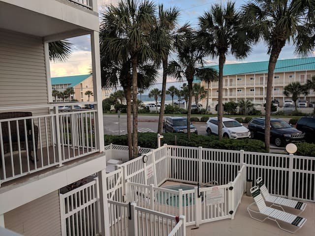 Seas The Day, Newly Remodeled Condo with Gulf View