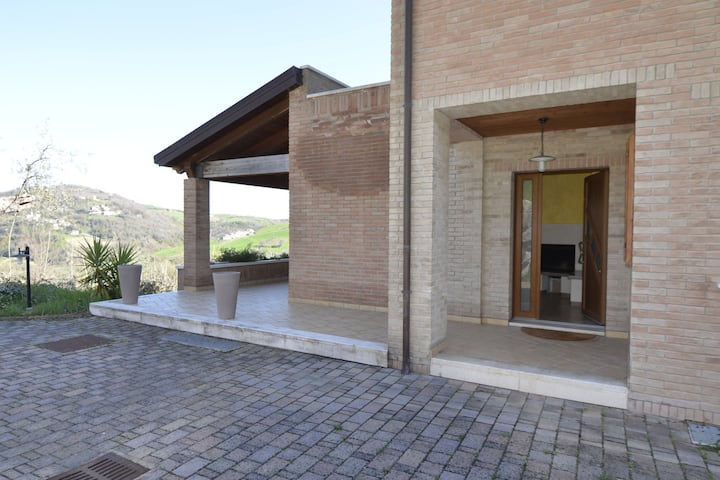 Lavish Villa in Montescudo with Terrace