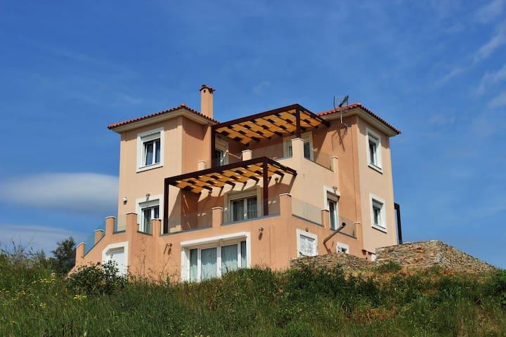 Melilofos Panorama