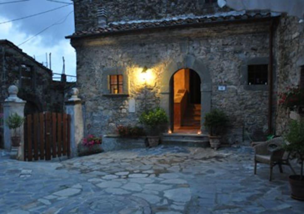 Boutique bed and breakfast close cinque terre c chambres d 39 h tes louer fivizzano toscana - Chambre d hote cinque terre ...