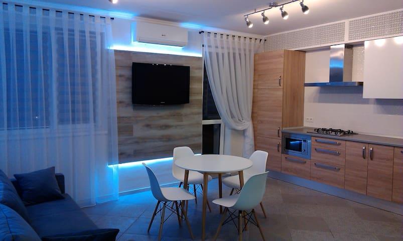 Квартира люкс от хозяина - Illichivs'k - Apartment