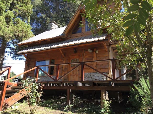 Agradable habitación matrimonial - Villa La Angostura - Casa